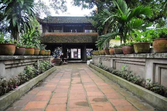 Duong Lam Village - Viet Ancient Village (Full day)